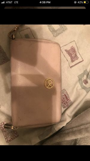 Micheal Kors wallet for Sale in Fort Mill, SC