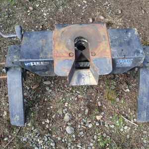 Reese 15k 5th wheel Hitch for Sale in Hoquiam, WA