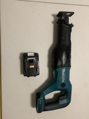 Makita cordless saw (like new) for Sale in Miami, FL