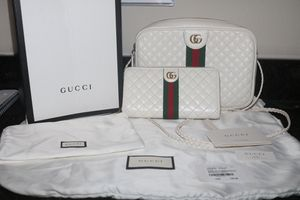 Gucci Quilted Leather Purse & Wallet for Sale in Grapevine, TX