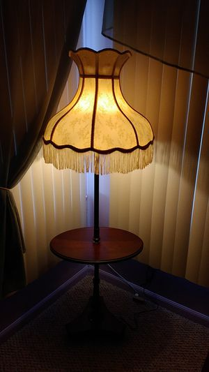 Antique lamp table for Sale in Brooksville, FL