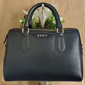 DKNY handbag comes with long strap for Sale in Temecula, CA