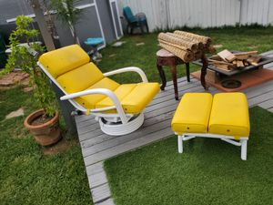 Patio Rocking chairs/ outdoors / furniture/ yellow for Sale in San Diego, CA