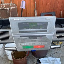NordicTrack C 1900 Treadmill for Sale in Los Angeles,  CA