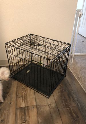 Small/medium dog kennel for Sale in San Diego, CA