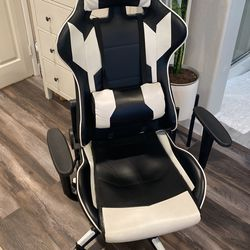 S-Racer Gaming Chair for Sale in Irvine, CA