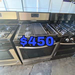 WHIRLPOOL STAINLESS 5 BURNER GAS STOVE for Sale in Santa Ana, CA