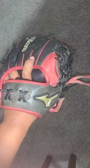 Mizuno baseball glove for Sale in Hutto, TX