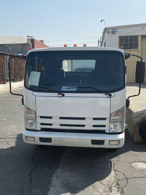 Isuzu diesel 2011 for Sale in Los Angeles, CA