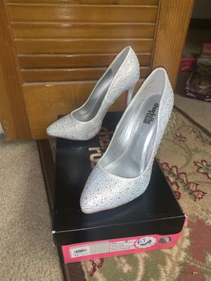 Never used Chrystal high heels for Sale in Haines City, FL