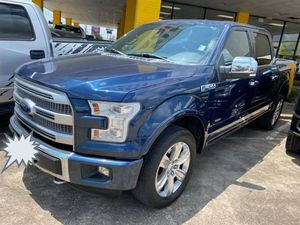 Truck Ford Platinum 2015 down p 5000 for Sale in Houston, TX