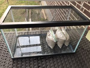 10 gallons tank,screen top/sand for Sale in Nashville, TN