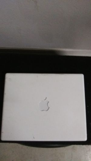 Small Apple Laptop no cord! for Sale in Tucson, AZ
