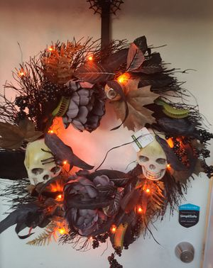 Halloween Wreath w/ Lights and Over Door Hook for Sale in St. Petersburg, FL