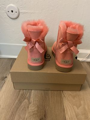 100% Authentic Brand New in Box UGG Mini Bailey Bow / Women size 6 / Color Lantana Pink for Sale in Pleasant Hill, CA