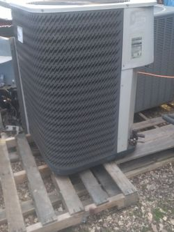 outdoor heatpump for Sale in Anderson,  SC