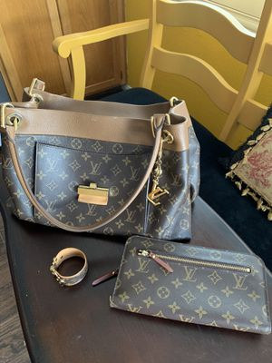 Louis Vuitton Olympe bag, new wallet, keychain & cuff. Purse has been used twice along with the other items except wallet. Cost over $5000. for Sale in Murrieta, CA