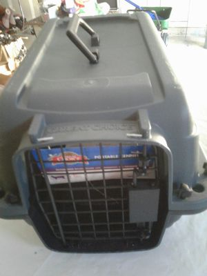 """Great Choice Portable Kennel Brand new 16"""" long ( 41 CM) 9 """" tall ( 23 CM for Sale in Powder Springs, GA"""