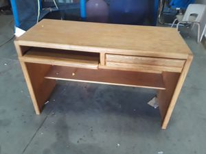 Desk for Sale in Victorville, CA
