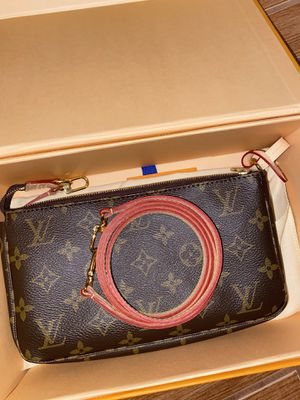 Louis Vuitton purse for Sale in Brooklyn, NY