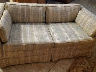 Floral Fabric Loveseat Sofa for Sale in Tampa,  FL