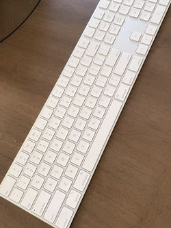 Wireless Apple Keyboard for Sale in Corona,  CA