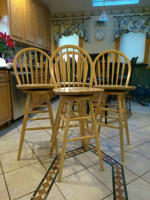4 Kitchen swivel chairs for Sale in Somerville, MA