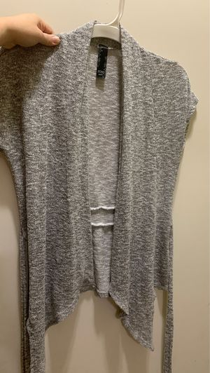 Cute gray cardigan medium $4firm for Sale in Laveen Village, AZ