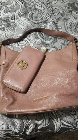 Michael kors purse and wallet for Sale in North Royalton, OH