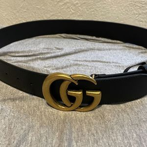 GUCCI WIDE LEATHER BELT WITH DOUBLE GG BUCKLE SIZE 36 (can fit A 34/38) Used Once! for Sale in Cherry Hill, NJ