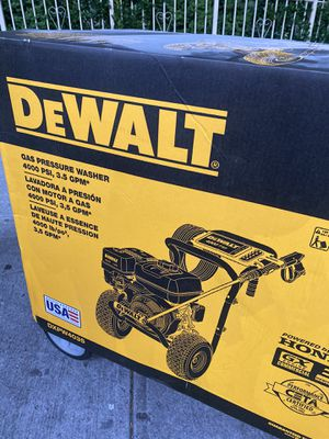 DEWALT 4000 PSI at 3.5 GPM Gas Pressure Washer Powered by Honda with AAA Triplex Pump - California Compliant for Sale in The Bronx, NY