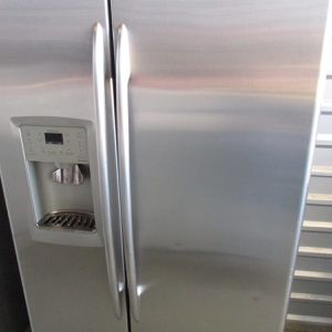 Ge Refrigerator Side By Side Stainless Steel Counter Depth for Sale in Bedford, TX