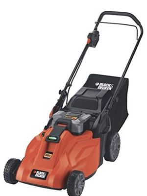 19 inch, 36 volt Black and Decker cordless battery push mower for Sale in Mount Juliet, TN