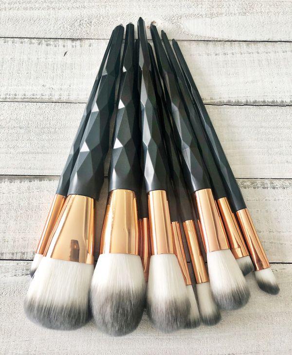 Black diamond set!! 10 brushes 💎💛