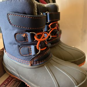 Cat & Jack Toddler Boy, Size 7, Snow Boots Blue and Gray for Sale in Randolph, MA