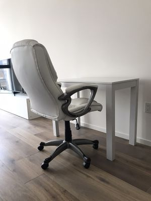 Home Office Desk and Chair for Sale in Concord, CA