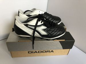 DIADORA CLEATS SIZE 13 for Sale in Sterling, VA