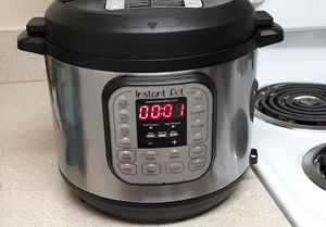 New instant pot from Amazon for Sale in Ocoee, FL