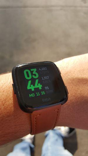 Fitbit versa 1 for Sale in Grand Terrace, CA