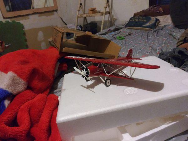 Metalic airplane
