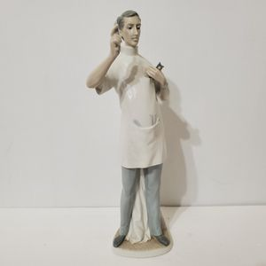 "Vintage LLADRO GLOSSY Glazed Porcelain 16"" Tall DENTIST Figurine for Sale in La Grange Park, IL"