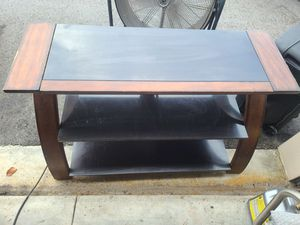 Tv stand / 3 shelves for Sale in Fort Lauderdale, FL