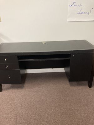 Used desk condition fair for Sale in West Palm Beach, FL