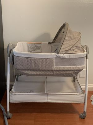 Graco Dream Suite Bassinet and Changing table for Sale in Burbank, CA
