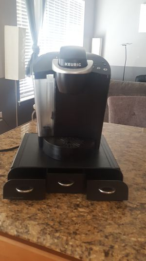 Keurig classic with pod drawer for Sale in Pottstown, PA