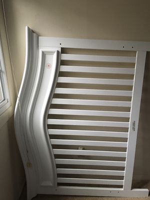 Baby crib, just like new for Sale in Colesville, MD