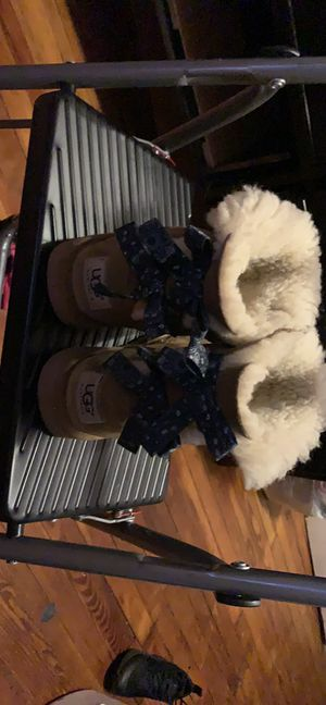 Ugg boots for girls size 1 for Sale in Philadelphia, PA