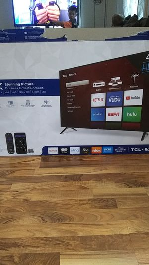 43 inch TV TCL Roku TV for Sale in Kenosha, WI