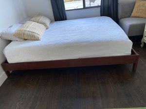 Solid wood queen platform bed frame for Sale in Los Angeles, CA