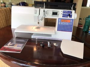 Viking Husqvarna sewing machine for Sale in Bothell, WA